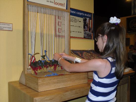 Children's Museum of Indianapolis: Weaving on the loom