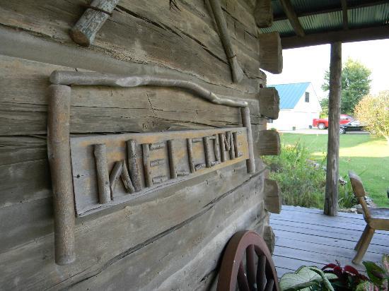 Blue Creek Cabin: Unique Touch