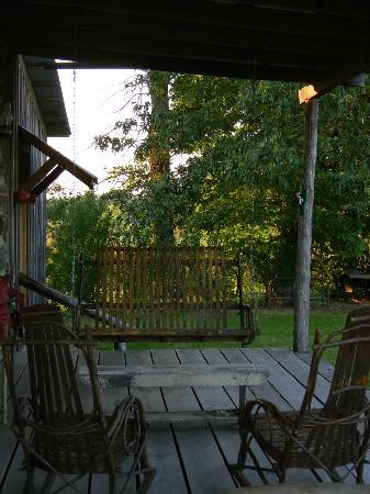 Blue Creek Cabin: Wrap-around porch