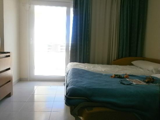 Hipotels Coma Gran Aparthotel: room