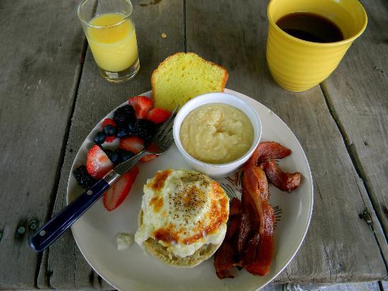 Blue Creek Cabin: A delicious breakfast!