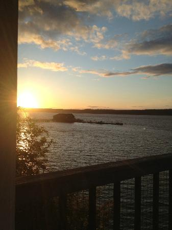 Cottage on the Cove: Another sunset