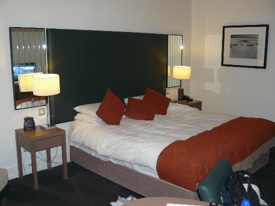 Hilton Dublin Kilmainham: Cama comoda, sueño agradable