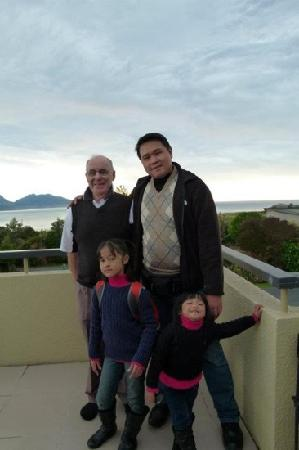 Pacific Allure Heights: With the wonderful host, Alan who are so friendly & helpful. Both Judy & Alan made us really com