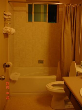 Westhaven Inn: Bathroom