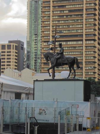 Ann Street: Statue near the City Hall