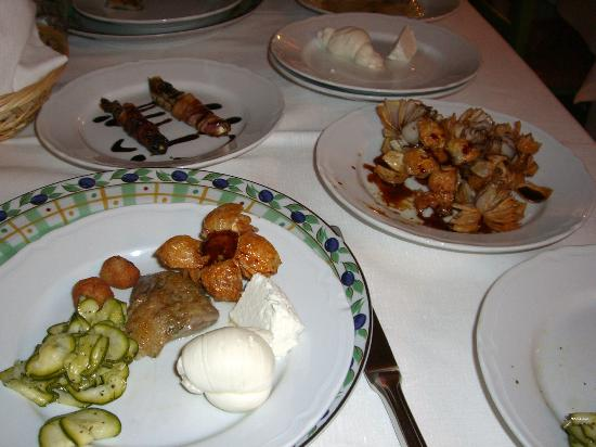 L'Antica Locanda: A sneak peek at only some of the delicious items that make up a Puglia tradition.
