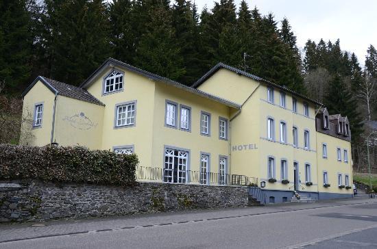 Hotel Lindenhof: Exterior of Hotel