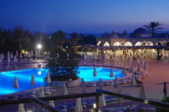 Side Star Resort: бассейн