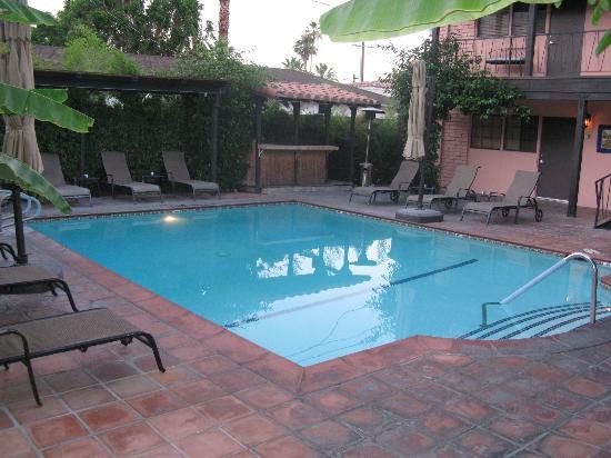 Hotel California: Lovely Pool