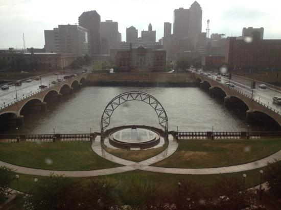 Embassy Suites by Hilton Hotel Des Moines Downtown: Pretty view from the suite