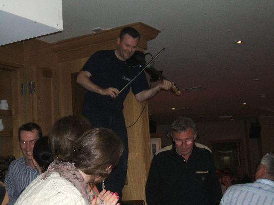 Driftwood: Traditional Irish Music at a pub in Kenmare