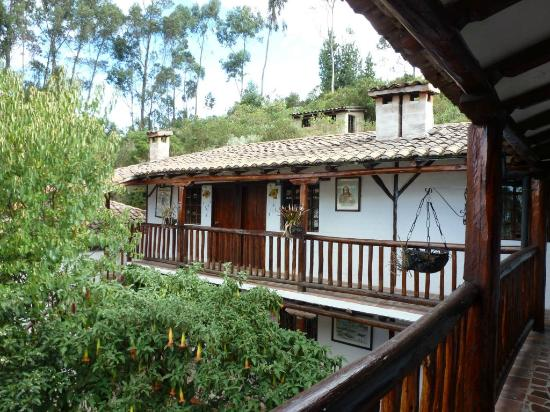 San Jorge Eco-Lodge & Botanical Reserve: View of two story accomodations.