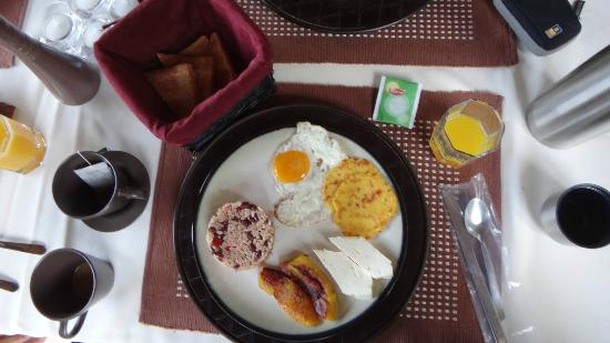 Altura Hotel: El desayuno