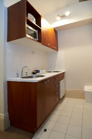 Quest Gordon Place: Studio Apartment