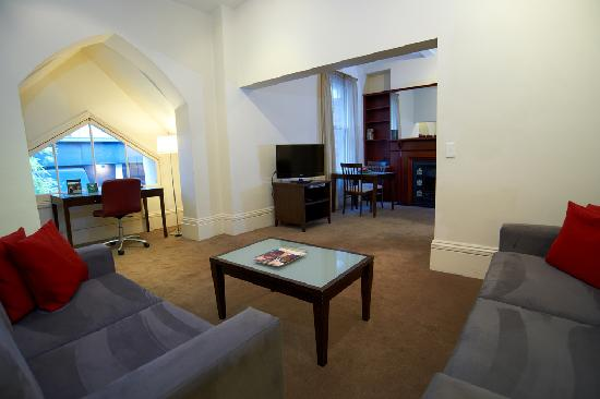Quest Gordon Place: One Bedroom Aparment
