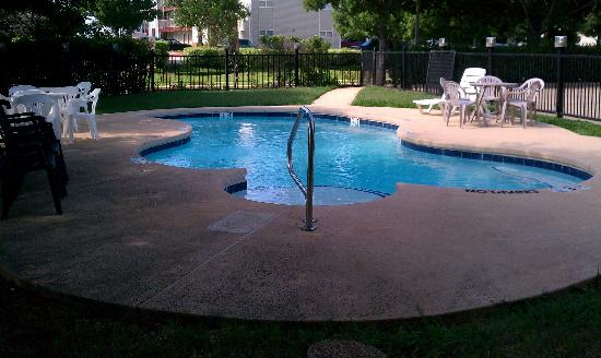 Microtel Inn by Wyndham Arlington/Dallas Area: Pool