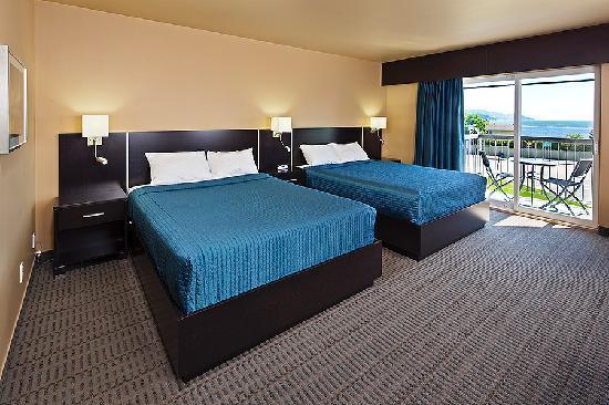 Hotel-Motel Castel de la Mer : Riverview room with two Queen size beds