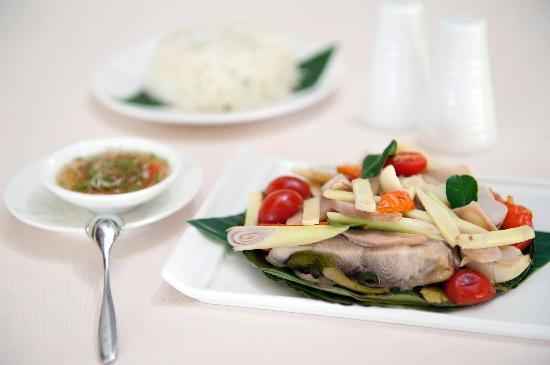 La Belle Epoque at The Luang Say Residence: Asian Papillotte Fish