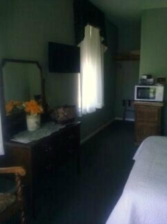 Julian Lodge: Upgraded Room