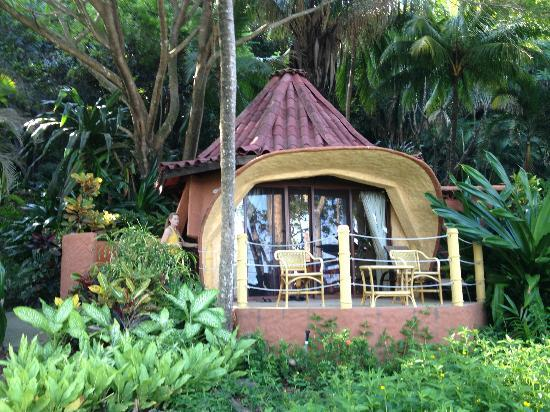 Ylang Ylang Beach Resort: Beach Bungalow