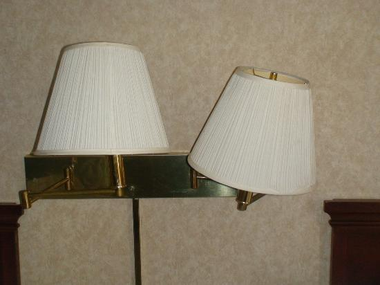 Days Inn Hurstbourne: dented bent light fixture