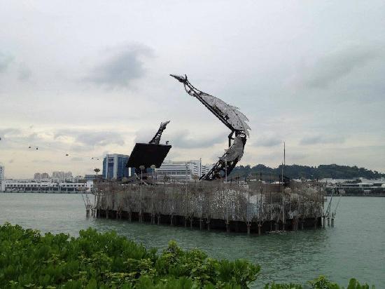 Crane Dance at Resort World Sentosa: Dancing Transformers