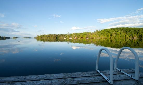 Beauview Cottage Resort: View of the lake from the dock
