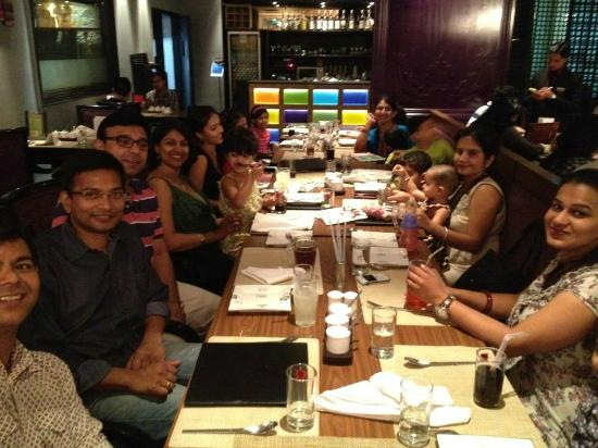 Berco's: Dinner with a huge group