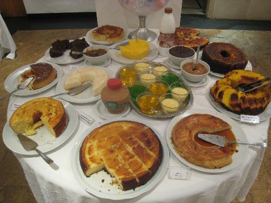 Ipanema Inn: The breakfast dessert table