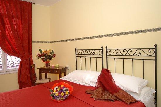 Bagno In Comune Hotel : Camera con bagno in comune hotel san maurizio picture of