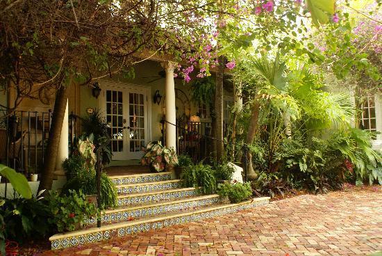 Casa Grandview: Main Inn Entrance