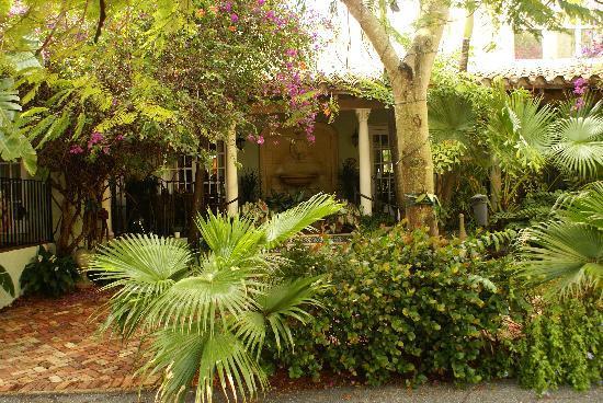 Casa Grandview: Mediterranean Style Inn