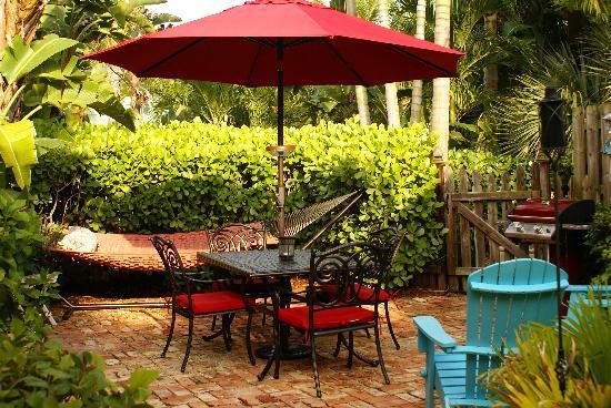 Casa Grandview: Key West Cottage Courtyard