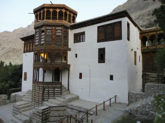 Khaplu Palave and Residence