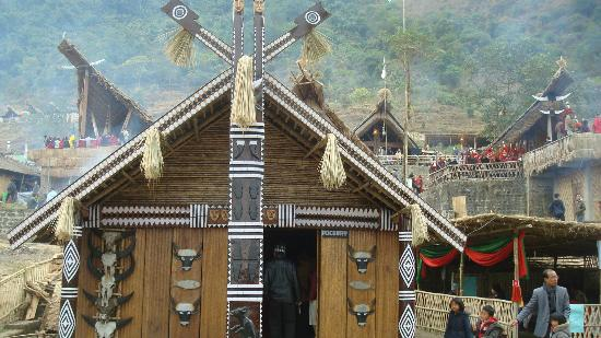 Kohima, Inde : hut of pochury tribe