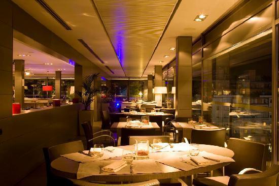 Globe Restaurant Bar