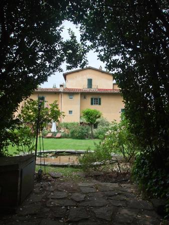 Villa Malavolta : the garden