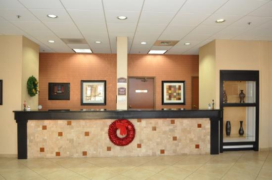 BEST WESTERN Green Valley Inn: Front Desk