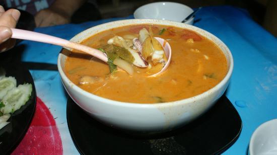 Krua Kritsana: Yummy Tom Yam Seafood Soup! Spicy & Nice...