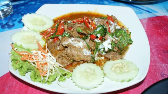 Krua Kritsana: Thai Spicy Beef Salad...very yummy... 
