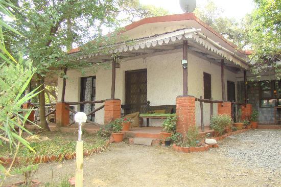 Moksha Retreat: View of Rooms from Gardens