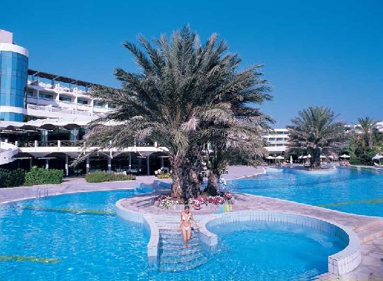 Constantinou Bros Athena Beach Hotel: Athena Beach Hotel - Outdoor Pool