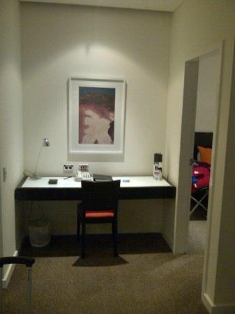Adina Apartment Hotel Perth: Work Desk