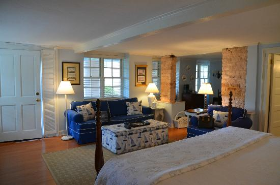 The Cuthbert House Inn: Mariner Suite