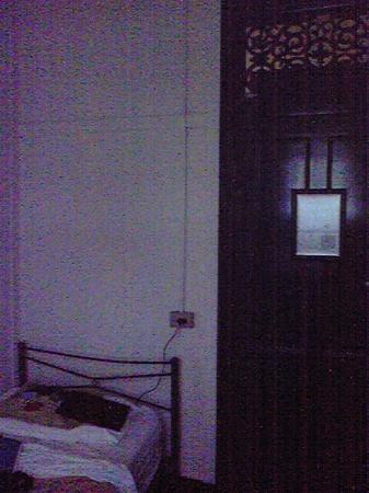 Nomads Brisbane Hostel: door