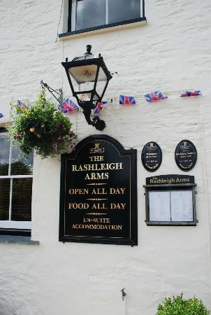 Rashleigh Arms: Frontwall