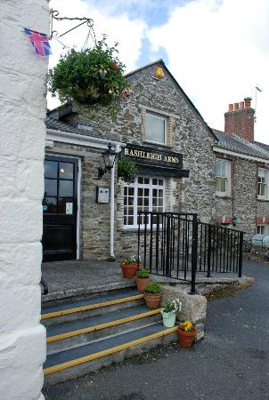 Rashleigh Arms: Entrance