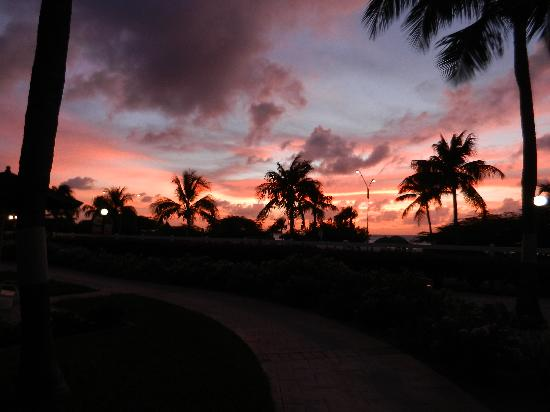 Las Ramblas Tapas and Charcoal Grill: beach view