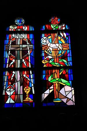 Basilika St. Martin: stained glass in the church
